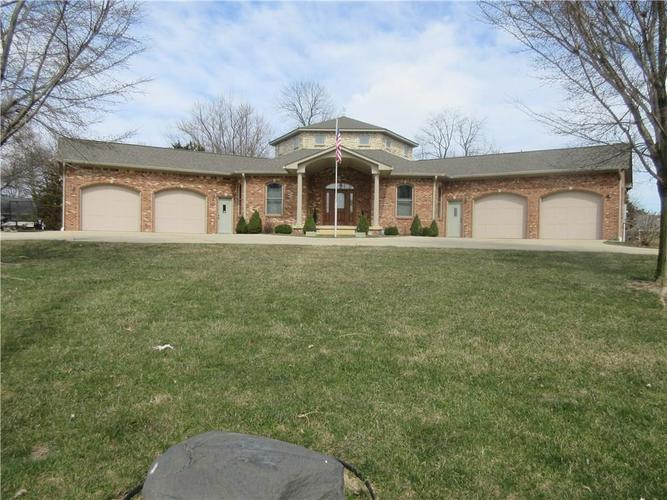 122 Mckay Road Shelbyville, IN 46176 Photo 3