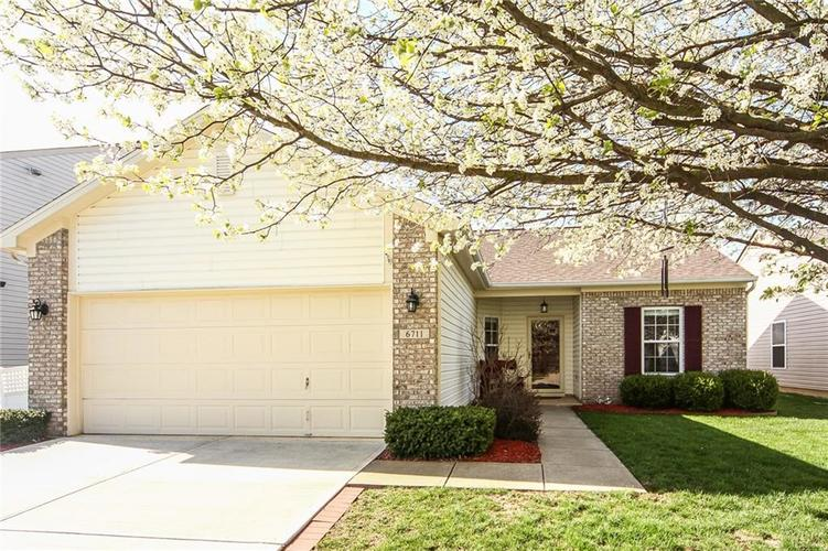 6711  Southern Cross Drive Indianapolis, IN 46237 | MLS 21560447