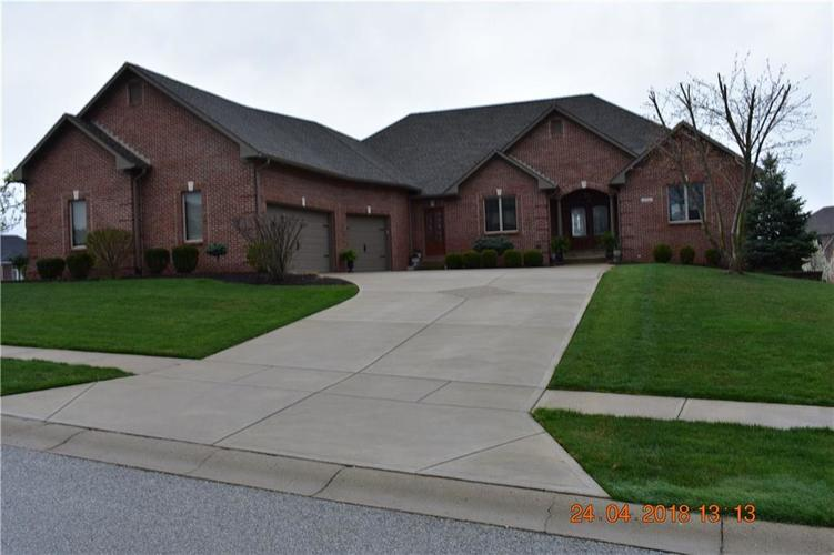 1752  Calvert Farms Drive Greenwood, IN 46143 | MLS 21560861