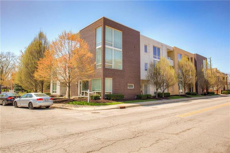 932 N BROADWAY Street #15 Indianapolis, IN 46202 | MLS 21562413 | photo 1