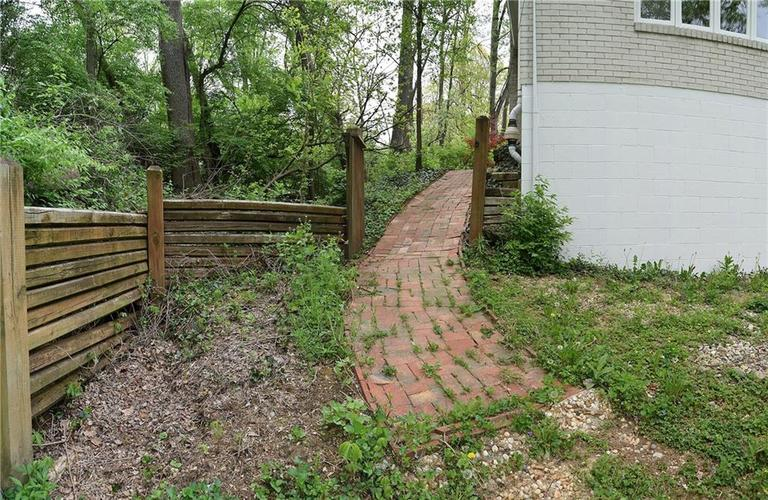 4060 CROOKED CREEK OVERLOOK Street Indianapolis, IN 46228 Photo 12