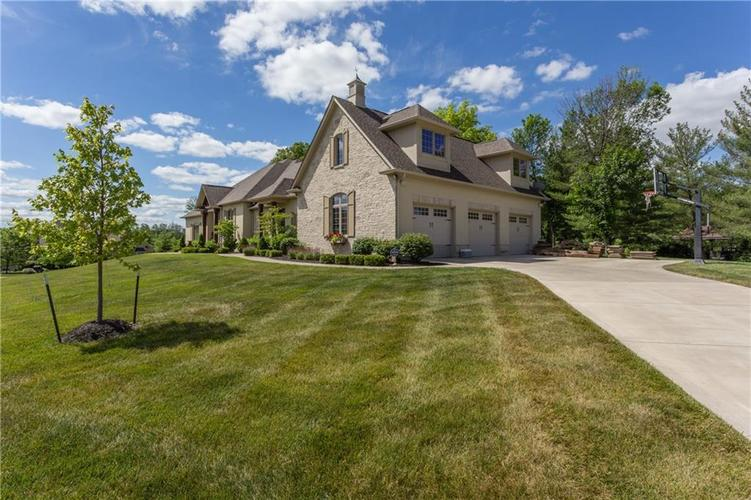 11628 Willow Springs Drive Zionsville, IN 46077 | MLS 21569758 | photo 2