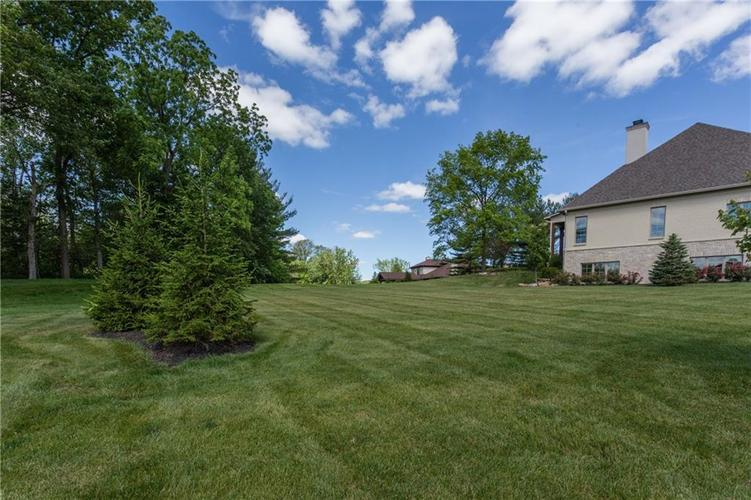11628 Willow Springs Drive Zionsville, IN 46077 | MLS 21569758 | photo 4