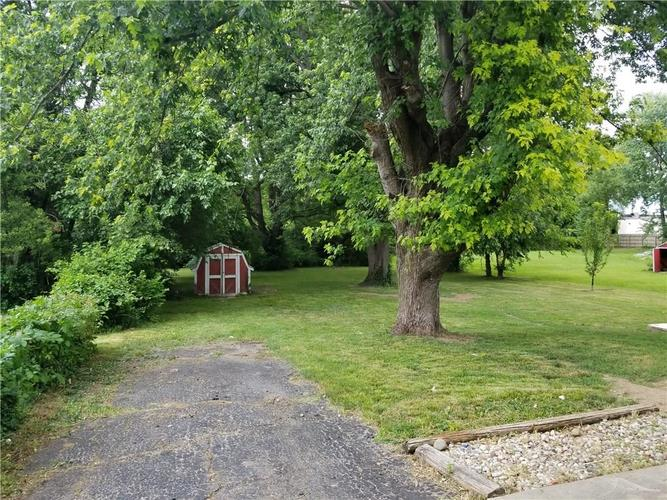 330 E Thompson Road Indianapolis, IN 46227 | MLS 21570979 | photo 2