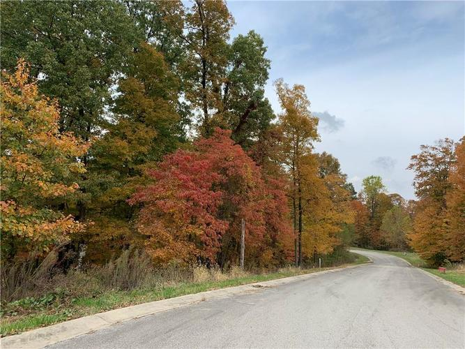 2114 N WOLF Cove Martinsville, IN 46151   MLS 21573051   photo 2