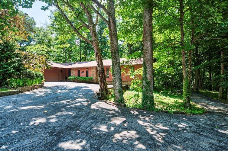 7797  Thorncrest Drive Mooresville, IN 46158   MLS 21573575