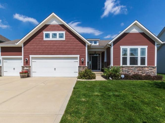 7718  EAGLE CRESCENT Drive Zionsville, IN 46077 | MLS 21575622