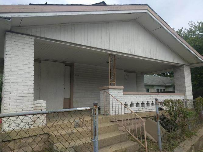 2316 E New York Street Indianapolis, IN 46201 | MLS 21576710