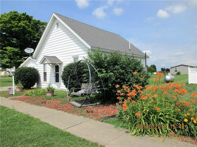 105 S Washington Street Mellott, IN 47958 | MLS 21577858