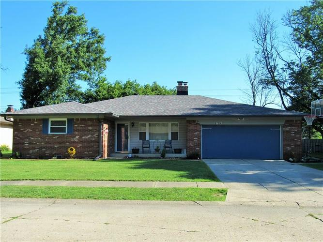8704 E SKYWAY Drive Indianapolis, IN 46219 | MLS 21578888