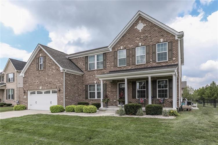1941  Versailles Drive Greenwood, IN 46143 | MLS 21584982