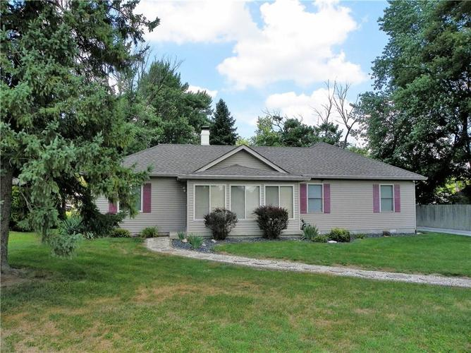 9330 E 10th Street Indianapolis, IN 46229 | MLS 21586602