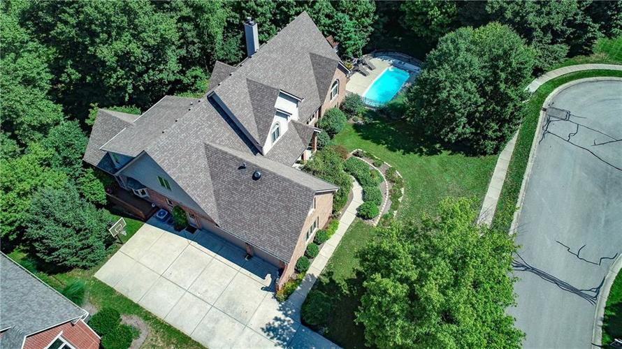 8726 Gordonshire Drive Indianapolis, IN 46278 | MLS 21588487 | photo 1