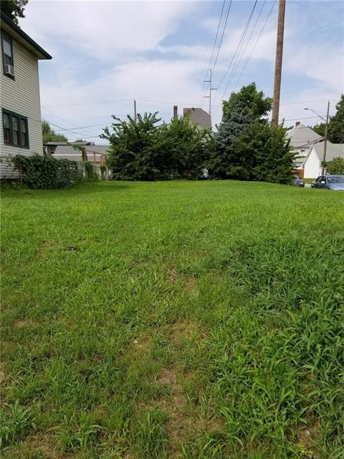 1322 E New York Street Indianapolis, IN 46202   MLS 21588666   photo 1