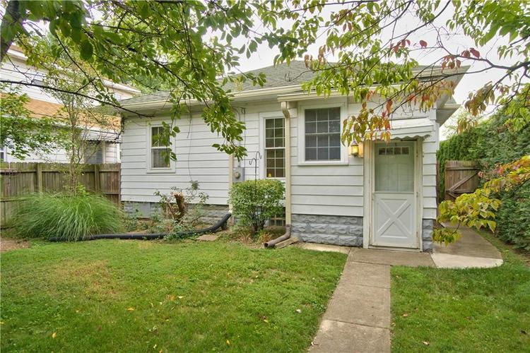 822 N CHESTER Avenue Indianapolis IN 46201 | MLS 21589219 | photo 1