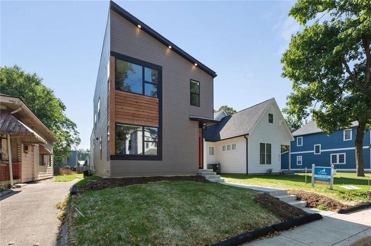 1917  Bellefontaine Street Indianapolis, IN 46202 | MLS 21590357