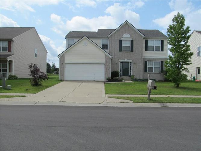 5248  SANDWOOD Drive Lawrence , IN 46235 | MLS 21590989