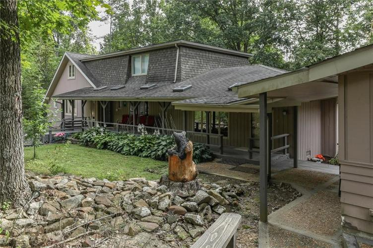000 Confidential Ave.Morgantown, IN 46160 | MLS 21591566 | photo 3