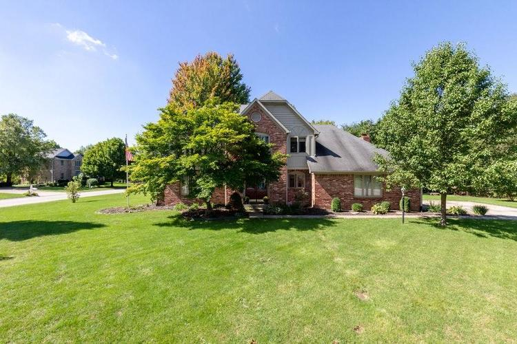 8638  ADMIRALS BAY Drive Indianapolis, IN 46236 | MLS 21591790