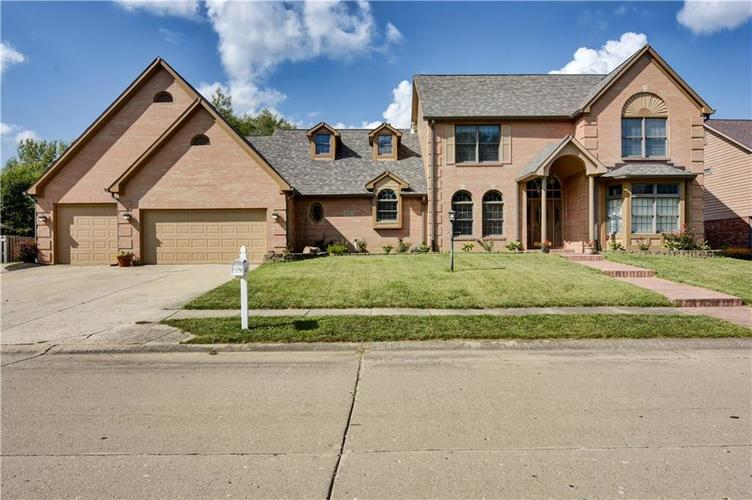6132  BUCK TRAIL Road Indianapolis, IN 46237 | MLS 21592149