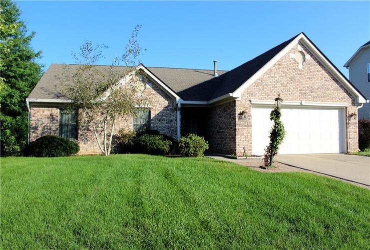 109 Oakview Drive Mooresville IN 46158 | MLS 21592215 | photo 1