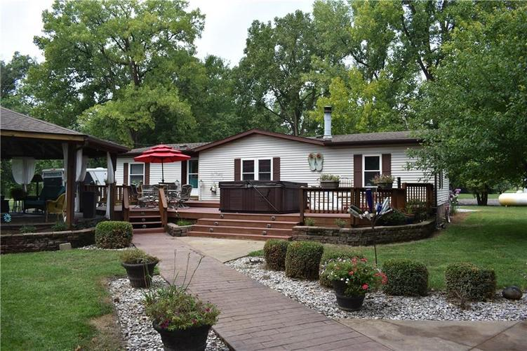 8231 N Kiger Drive Monticello, IN 47960 | MLS 21592504