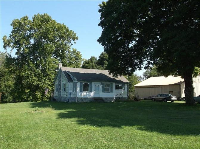 8755 S County Road 425 E Mooresville IN 46158 | MLS 21593078 | photo 1