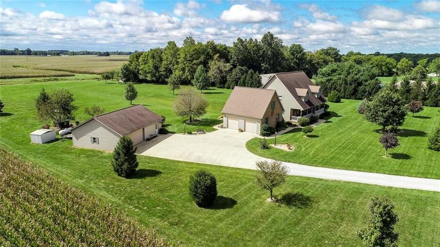 8715 W State Road 47  Thorntown, IN 46071 | MLS 21593175