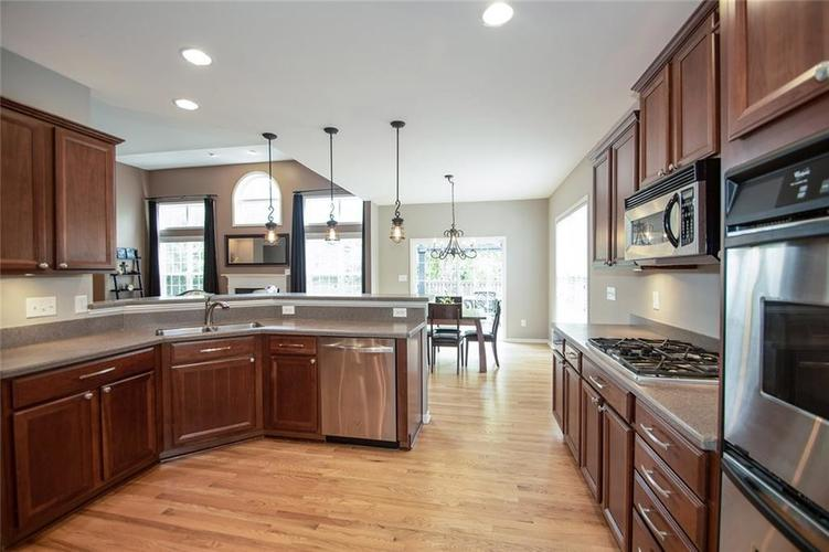10611 Proposal Pointe Way Fishers, IN 46040 Photo 16