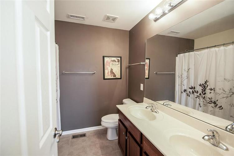 10611 Proposal Pointe Way Fishers, IN 46040 Photo 31