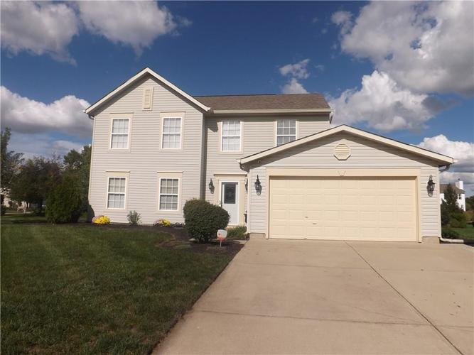 5592  GAINESWAY Drive Greenwood, IN 46142 | MLS 21594986