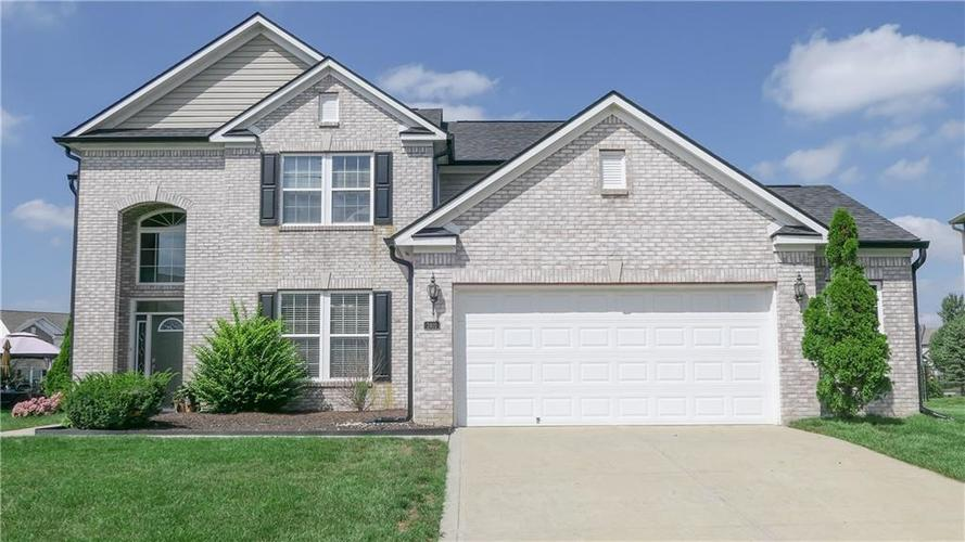 2402  Cole Wood Circle Indianapolis, IN 46239 | MLS 21595288