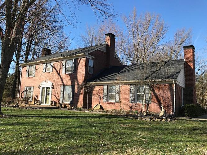 4141 W Carr Hill Road Columbus, IN 47201 | MLS 21595976 | photo 1