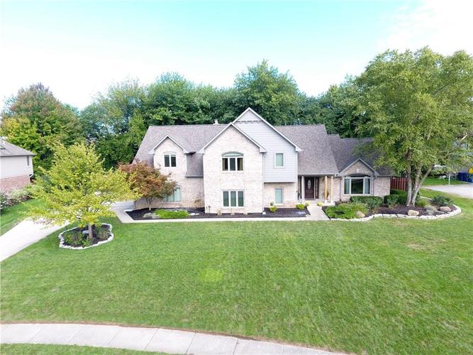 5560  SALEM Drive Carmel, IN 46033 | MLS 21596063