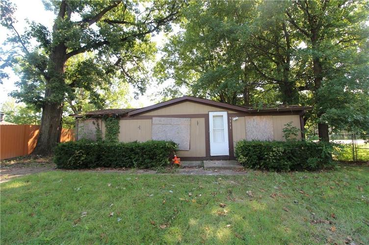 9311  Pinetree Court Indianapolis, IN 46235 | MLS 21598565