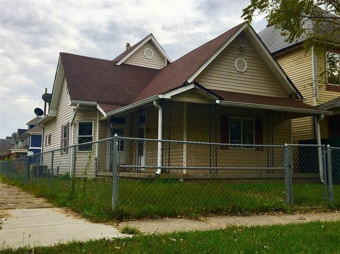 1831  WOODLAWN Avenue Indianapolis, IN 46203 | MLS 21598720