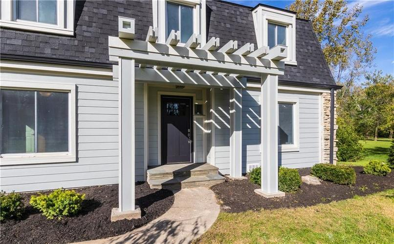 1584 W 96th Street Indianapolis, IN 46260 | MLS 21599365 | photo 1