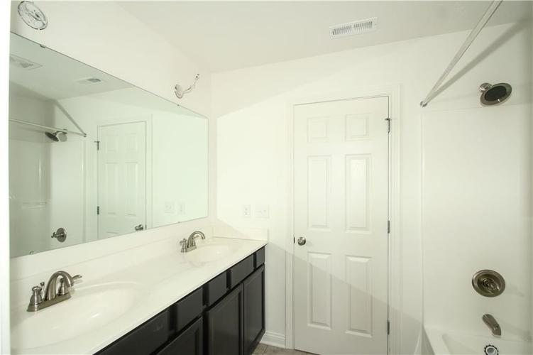 5231 County Road 875 East E S Zionsville, IN 46077 | MLS 21599675 | photo 29