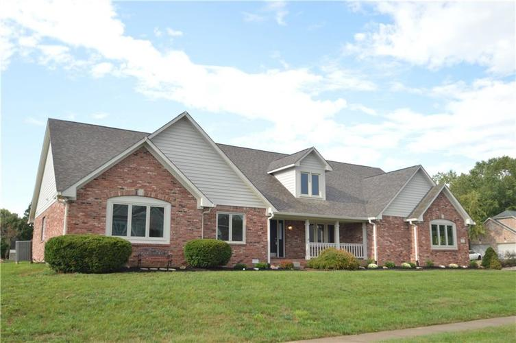 136 Southwind Way Greenwood, IN 46142 | MLS 21599796 | photo 1
