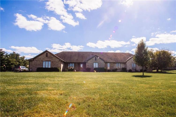 8151 E SOUTHPORT Road Indianapolis, IN 46259 | MLS 21599886