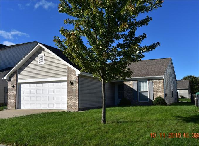 804  Spruce Drive Greenwood, IN 46143 | MLS 21600570
