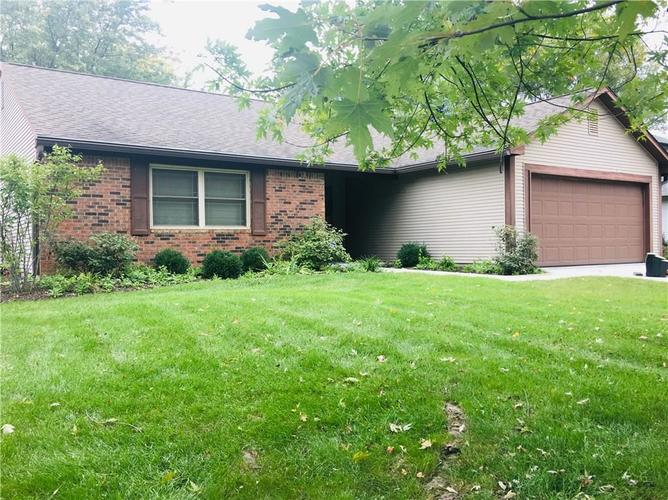8504  Prairie Drive Indianapolis, IN 46256 | MLS 21603254