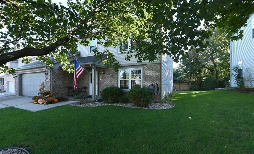 1451  Derbyshire Drive Greenwood, IN 46143 | MLS 21603259