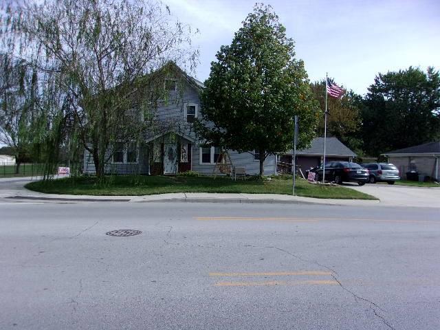 1449 S Ohio Street Martinsville, IN 46151 | MLS 21603341 | photo 2