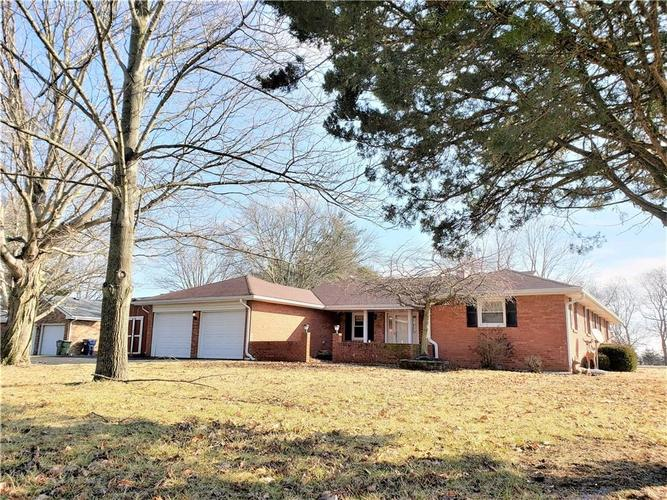2240  Graham Drive Shelbyville, IN 46176 | MLS 21604101