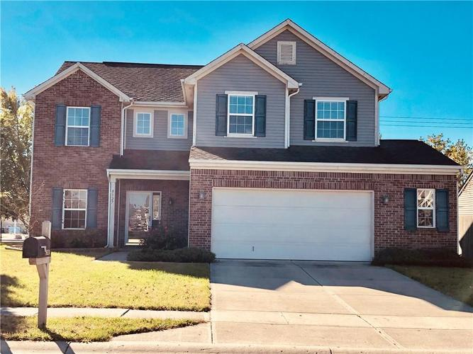 8127  Melbourne Lane Avon, IN 46123 | MLS 21604156