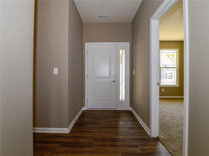 1706 Wedgewood Place Avon, IN 46123 | MLS 21604173 | photo 4