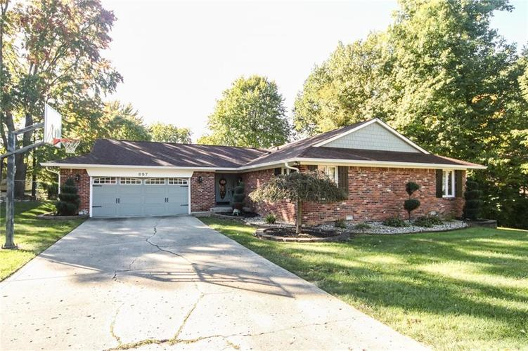 897  Sleepy Hollow Place Greenwood, IN 46142 | MLS 21604419