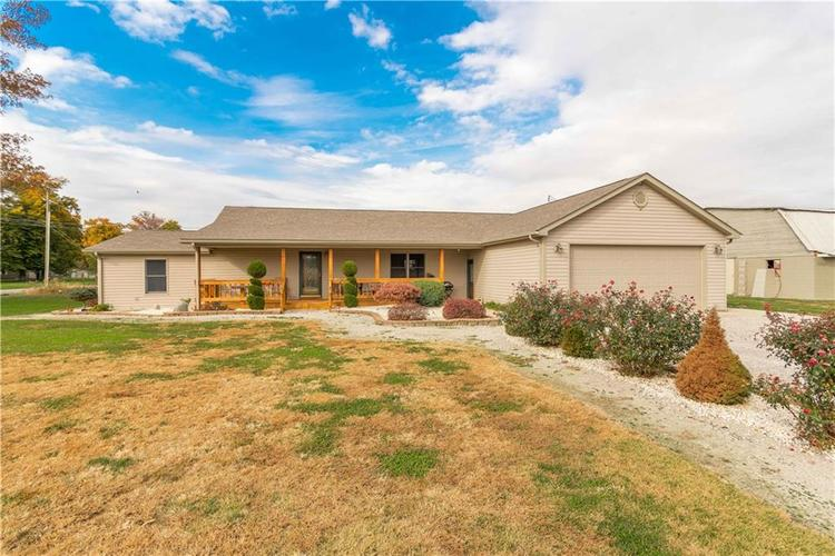 9487 E County Road 800  Crothersville, IN 47229 | MLS 21605124
