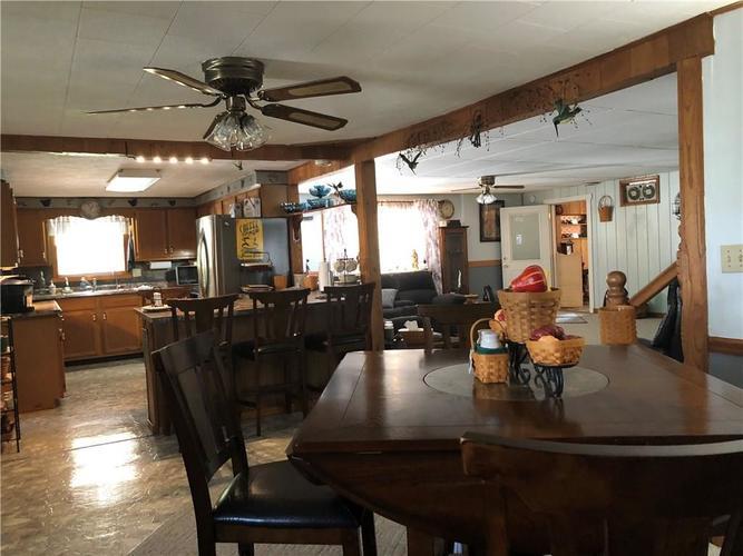 8941 E County Road 400 N Greensburg, IN 47240 | MLS 21605403 | photo 11